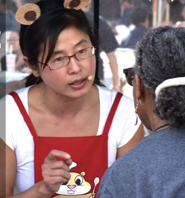Hungry Gopher Kimchi Demo at Mar Vista Farmers market